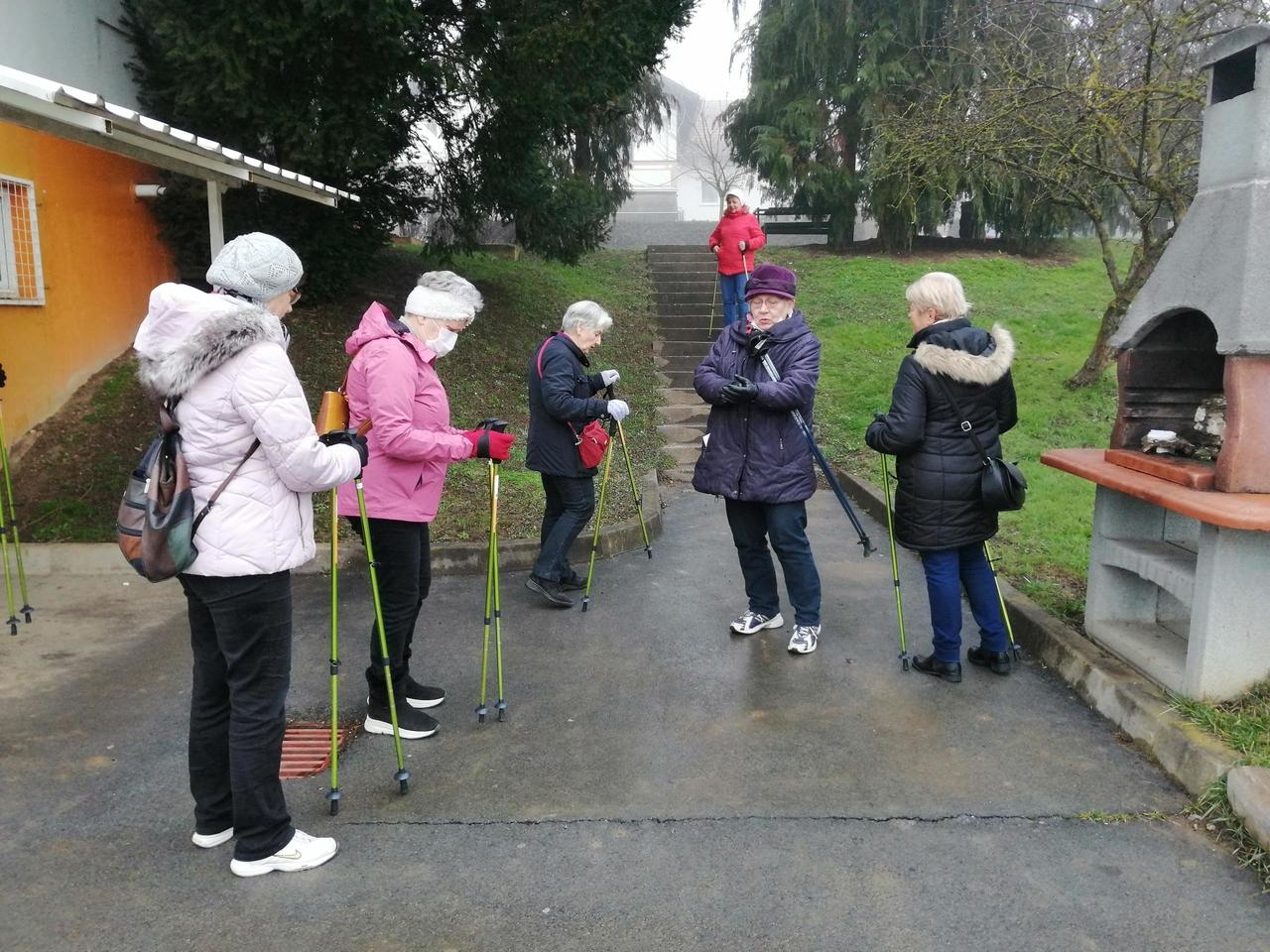 Pridružite se umirovljenicima u nordijskom hodanju